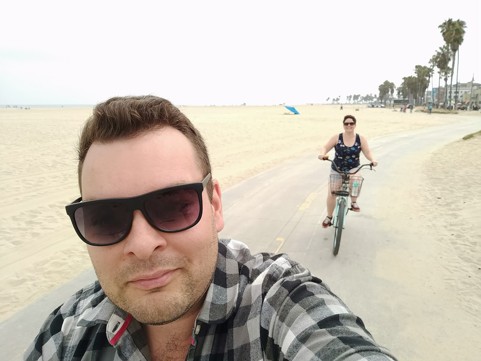 beachfront_cruising