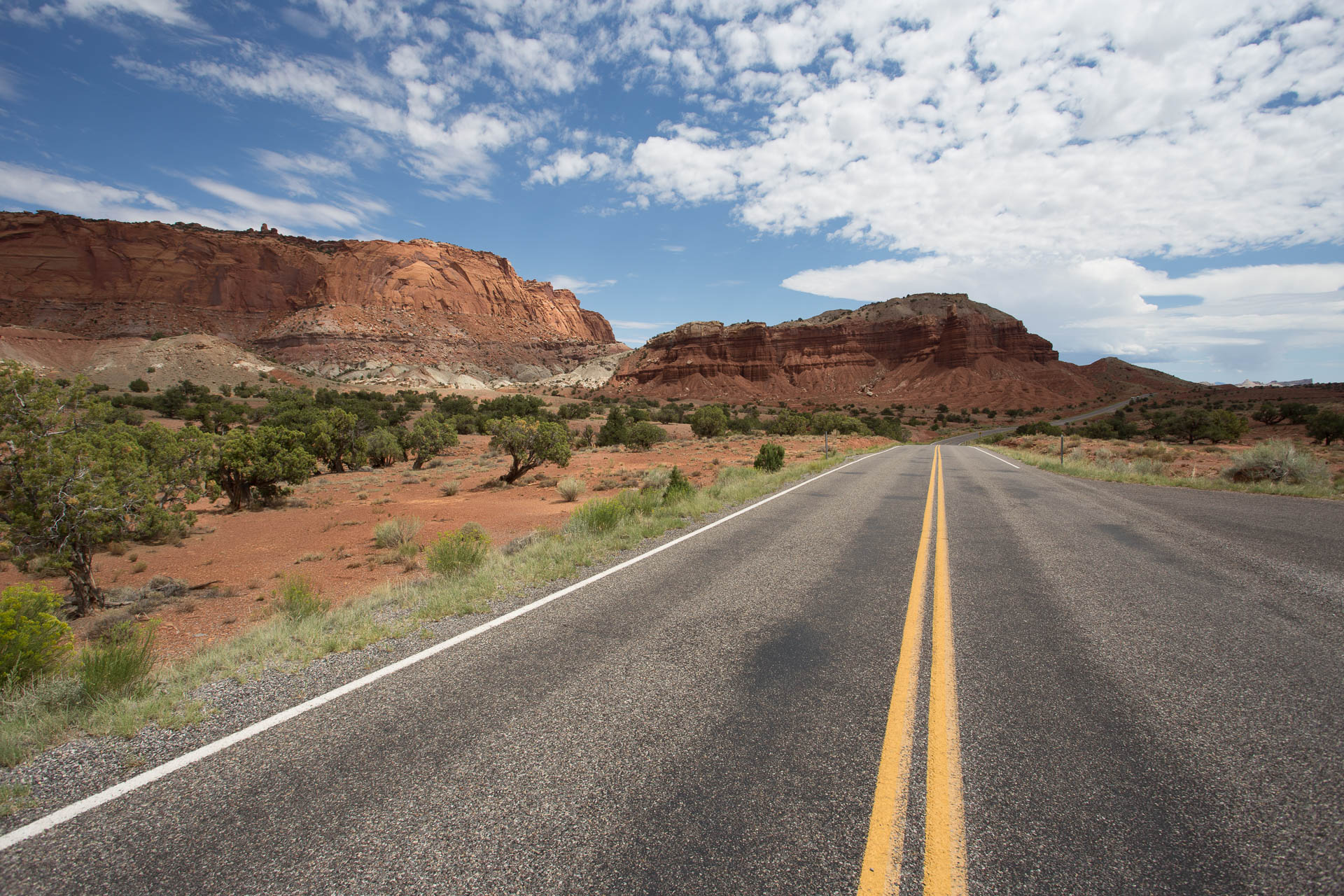 capitolreef-road