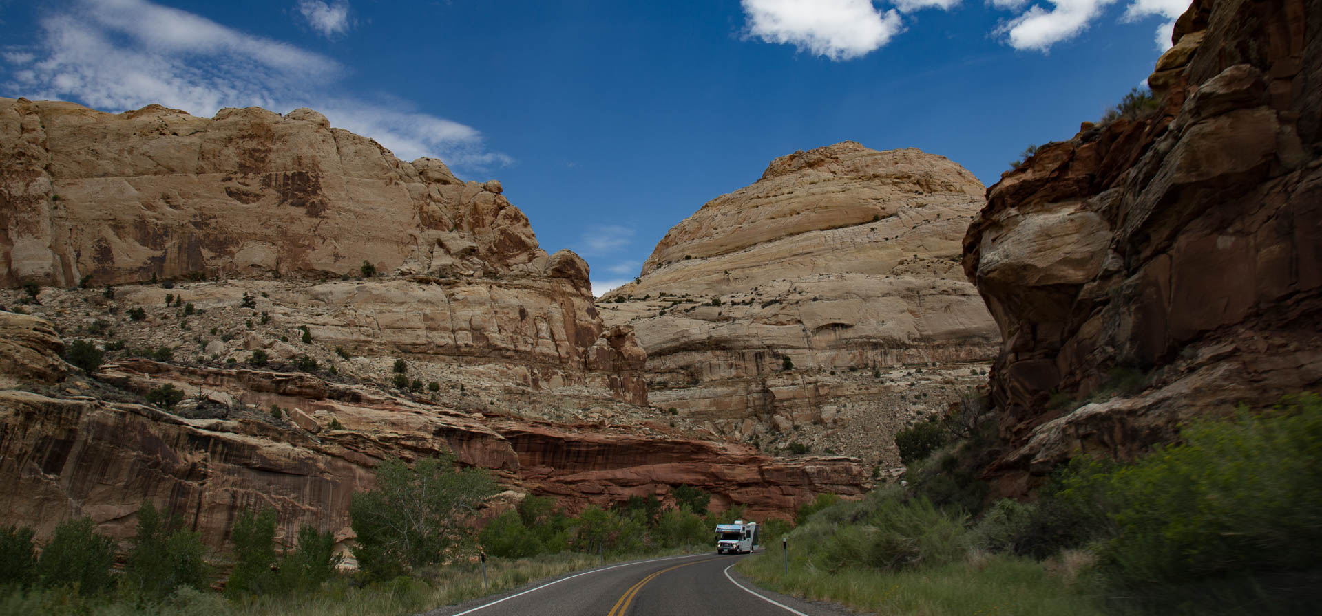 capitolreef-roadcanyon