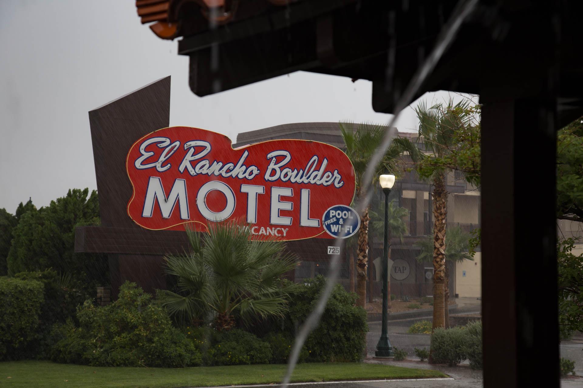 motel-rain