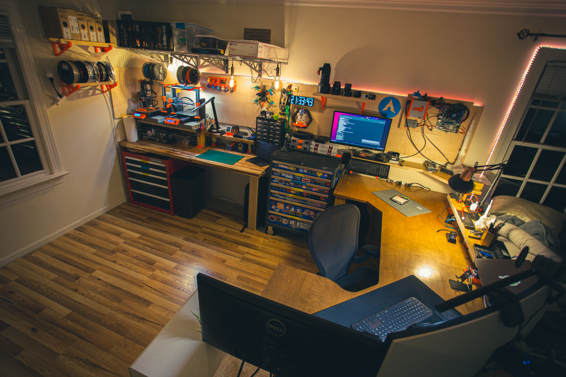 """Building my """"Ultimate Mega Desk"""" (Part 2) - The Tinkerspace 1.0"""